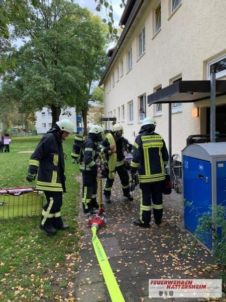 Einsatzende. Person gerettet und Wohnung rauchfrei.