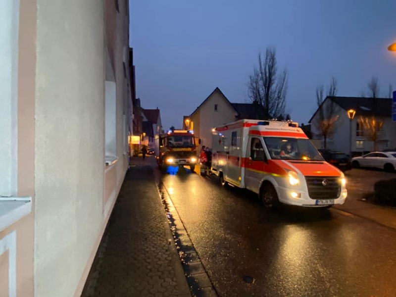 Rettungsdienst und Feuerwehr in der Altstadt Hattersheim