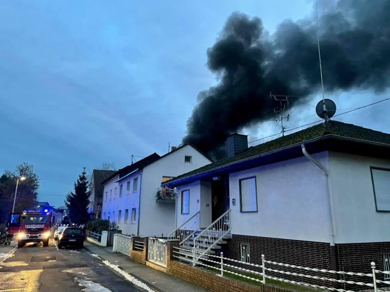 Rauchsäule über Weilbach