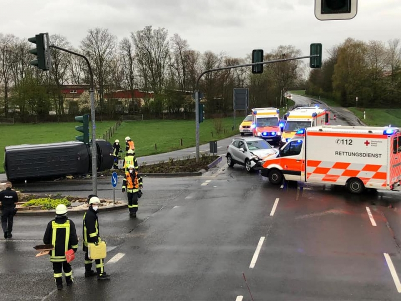 Unfall auf der Kreuzung L3011 Mainzer Landstraße